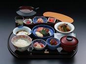 日本料理「はや瀬」和定食2つのレストランから当日の気分で和定食かバイキングをお選びいただけます。