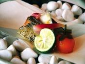 鮨・日本料理・鉄板焼き・フレンチの4ジャンルからお選び頂けます。