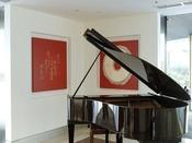 【館内】ホテル内の美術装飾は、アーティスト松原賢氏によるもの。