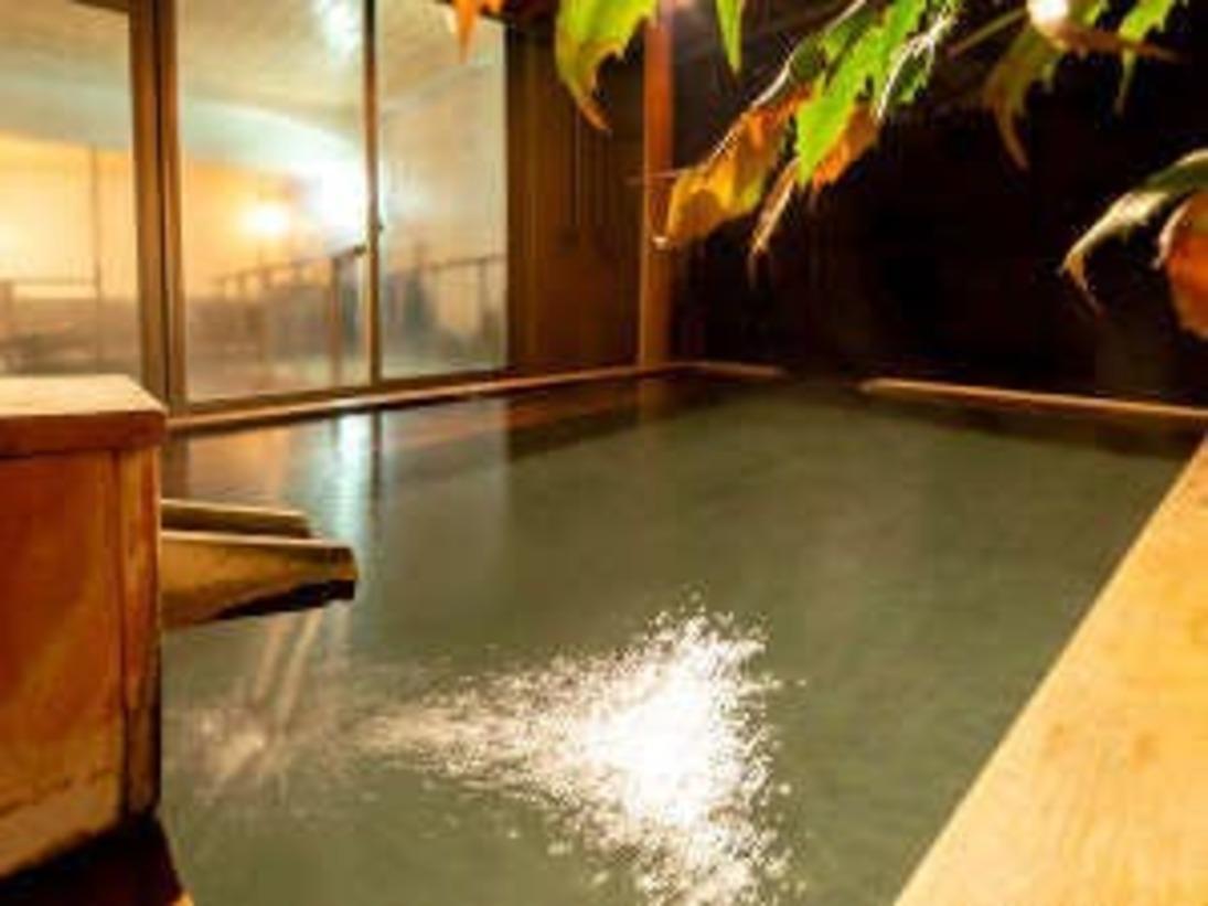 【露天風呂】源泉かけ流し!14時~24時 朝5時~10時の間ご利用可能です。