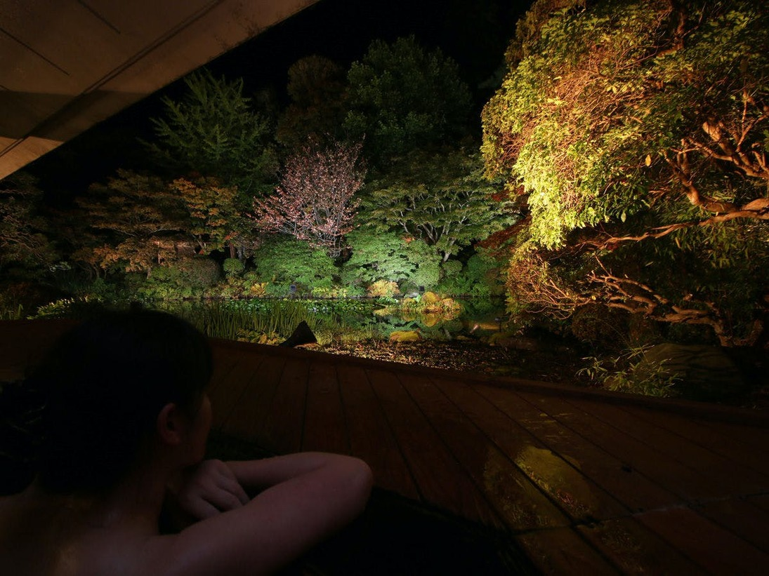 檜造り露天風呂-季-