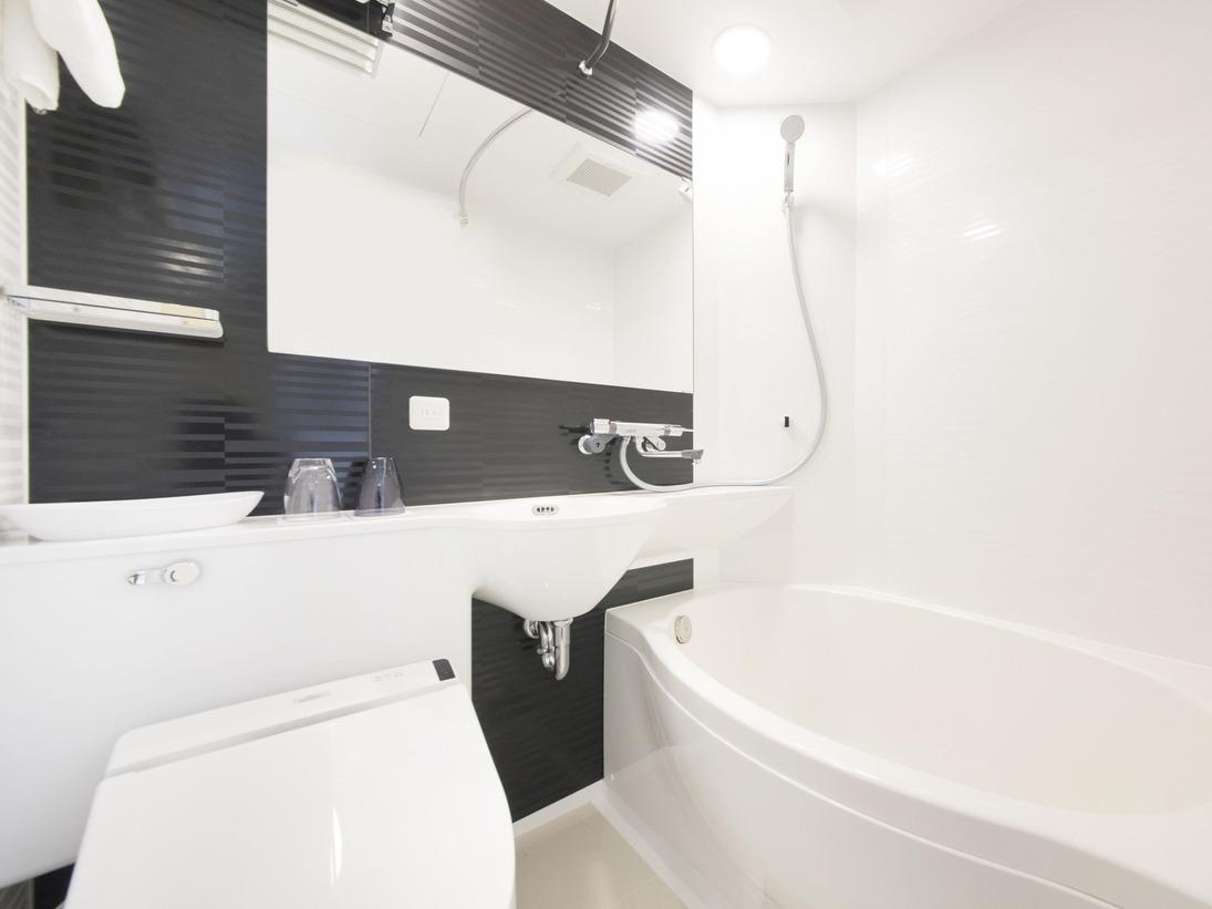 【客室バスルーム】全室ウォシュレット、清潔なバスルームで一日の疲れをゆっくり流してください。