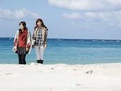 【周辺・景観】白良浜まで徒歩1分!青と白のコントラストが映える白良浜はお散歩にぴったり