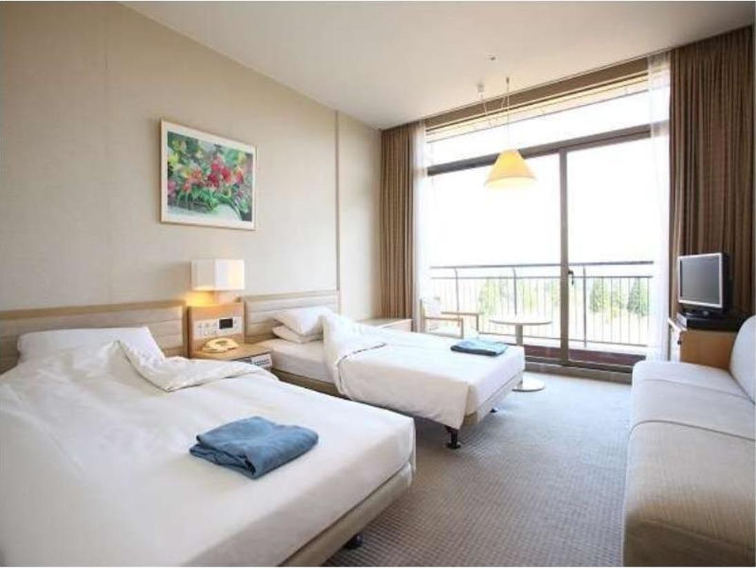 客室 ツインルーム(外輪山・ゴルフコース側)