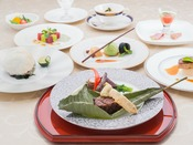 フレンチ・ジャポネ~今、世界中で人気の和食。和のアレンジを凝らして作った和風創作フランス料理は、洋食が苦手なお客様にも喜んでいただいております。