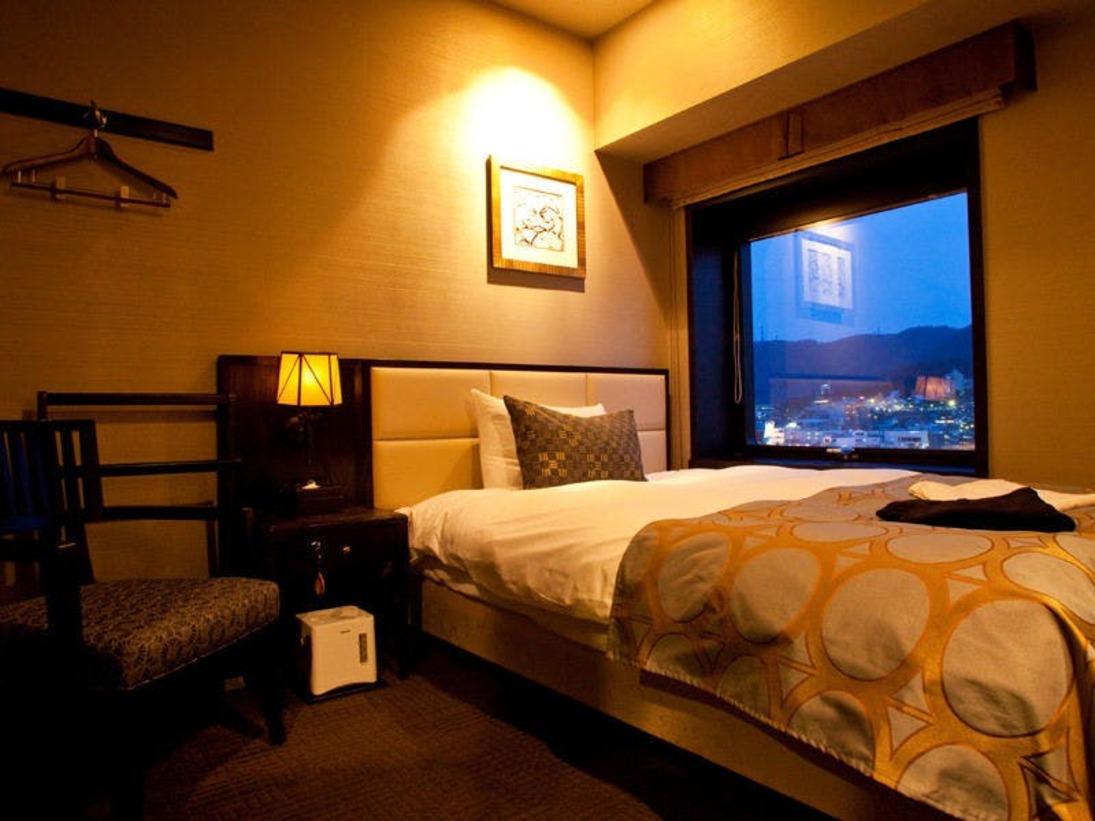【シングル/15平米】ベッド幅:1400mm×1950mm 1台/落ち着いた雰囲気の客室