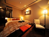 【ダブル/24平米】ベッド幅:2100mm×2000mm 1台/落ち着いた雰囲気の客室