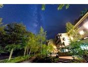 星空とホテル~新緑の美しい6月。夜にはこんな楽しみがあるのです。