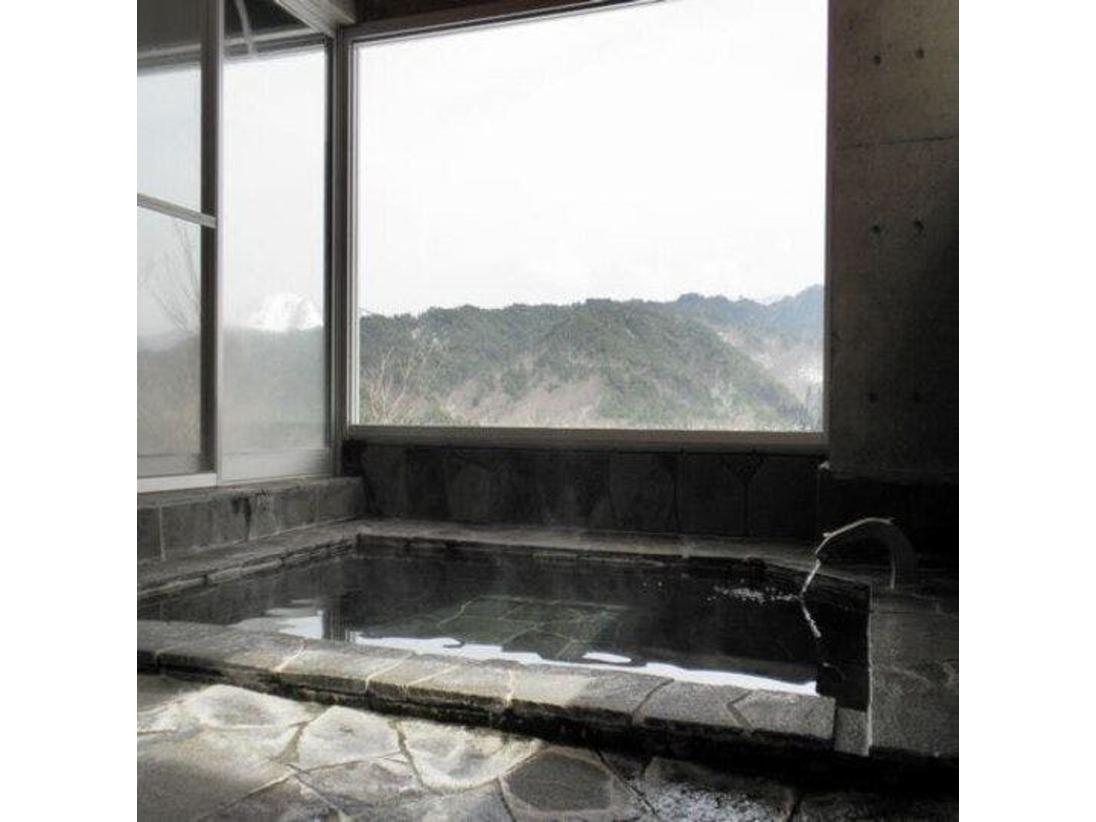 露天風呂 津黒山を一望できる露天風呂