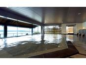 開湯1200年の歴史ある和倉温泉の湯は、日本でも珍しい「海の温泉」です。