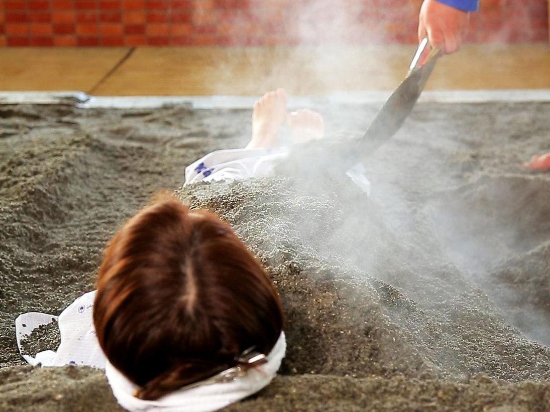 ■砂蒸し温泉■自慢の温泉を汲み上げた砂蒸し温泉は、体の芯からポカポカに♪