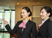 *【スタッフイメージ】アセント福岡へようこそ!福岡でのご滞在をより便利で快適に!