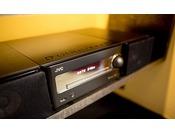 1階のライブラリからお好みのCDをチョイスしてお部屋で聴くことができます。