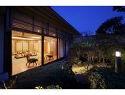 6FJapaneseスイートルーム・和室から望める 日本庭園