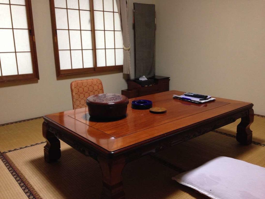 バストイレ付きの「干珠の間」8畳和室