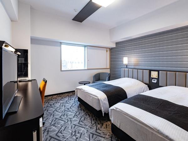 広さ23平米・ベッド幅110cm×2台