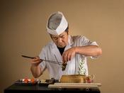 腕利きの料理人が、心を込めて調理しております
