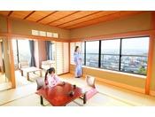 室内から加賀平野を一望
