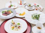 世界中で人気の和食。和の要素を取り入れて造った和風創作フランス料理、フレンチジャポネ。