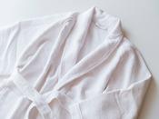 アッパープレミアムフロアにはバスローブを常設