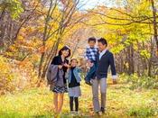 """【トレッキングコース】煌びやかな紅葉の世界が拡がる""""高原リゾート♪""""ご家族の素敵な想い出に♪"""