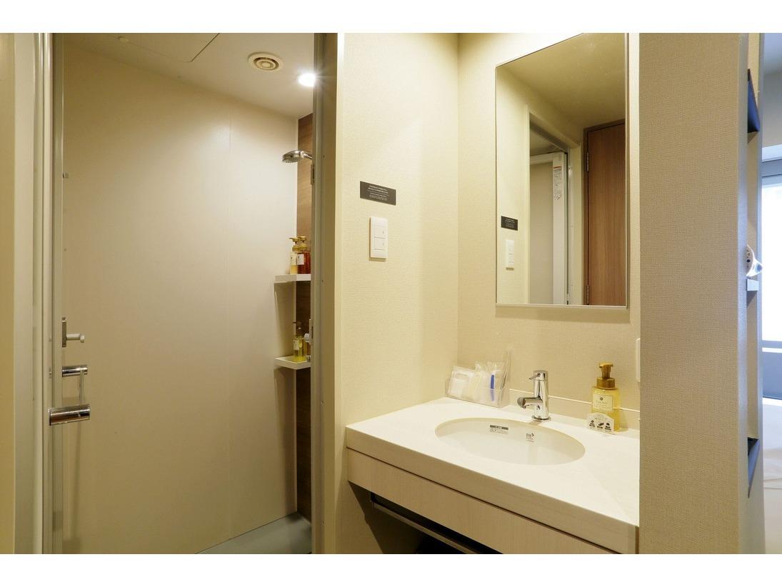 シングルルームはシャワーブースのみとなっております。