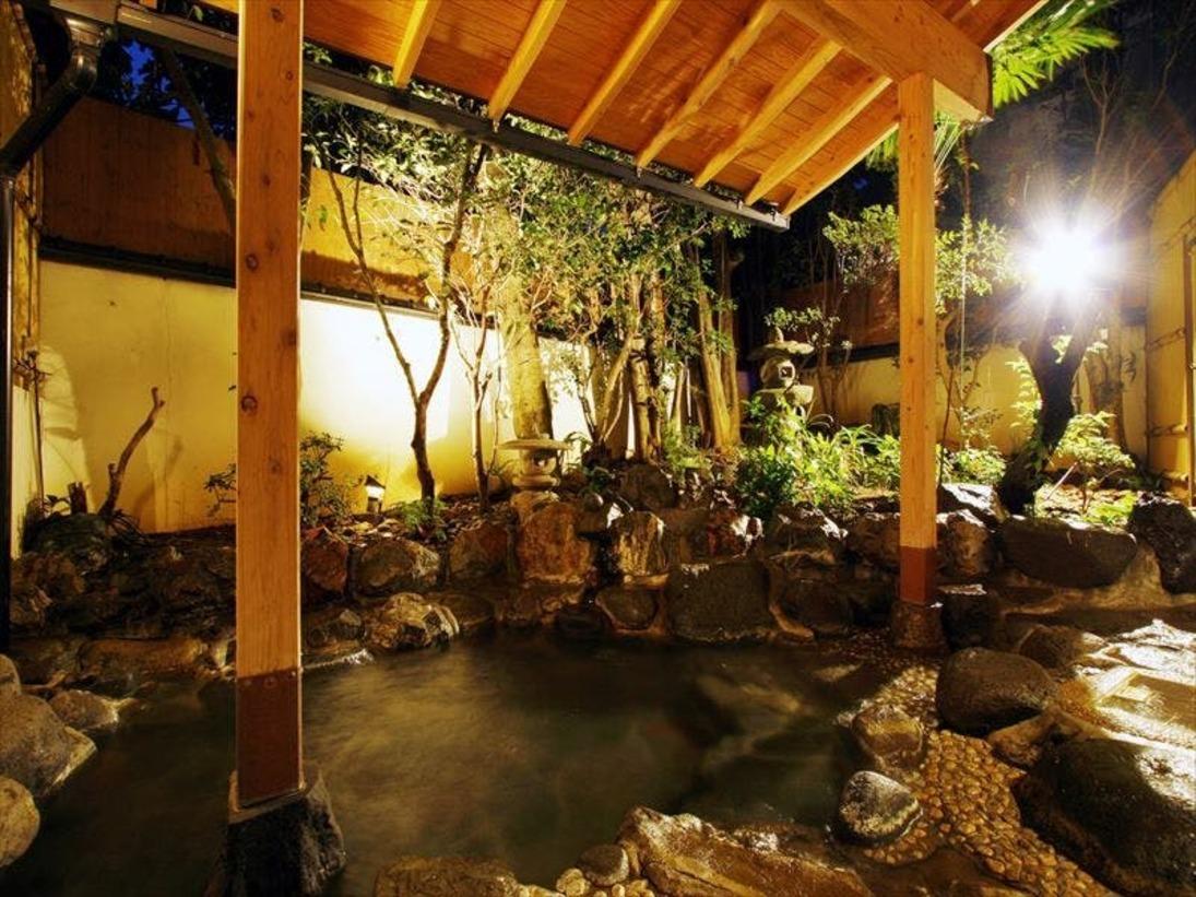 【温泉】館内2か所の貸切露天風呂。