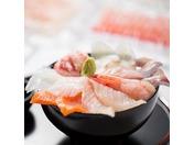 人気の朝食バイキング!一押しの自分で作る海鮮丼をはじめ郷土料理などANAホリデイ・イン金沢スカイならではのご朝食をご堪能ください。