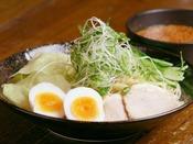 もう1つの広島の味【つけ麺】ホテルから徒歩約13分で【ばくだん屋】広島の有名店があります。