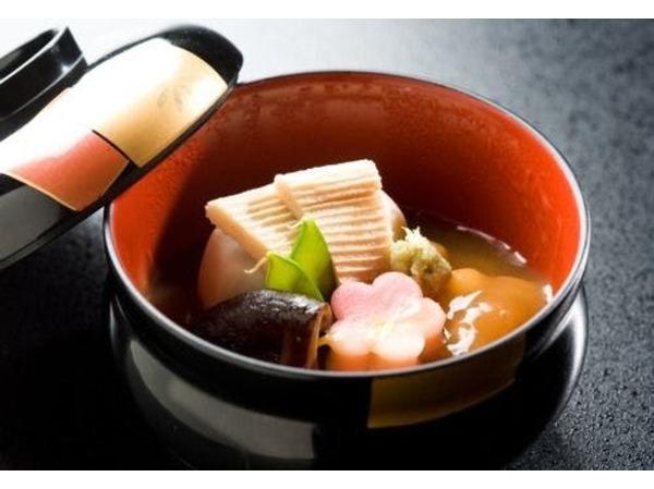 金沢の郷土料理「鴨治部煮」