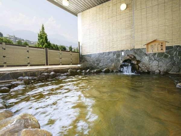 """[大浴場]露天風呂は""""松代温泉""""です。"""