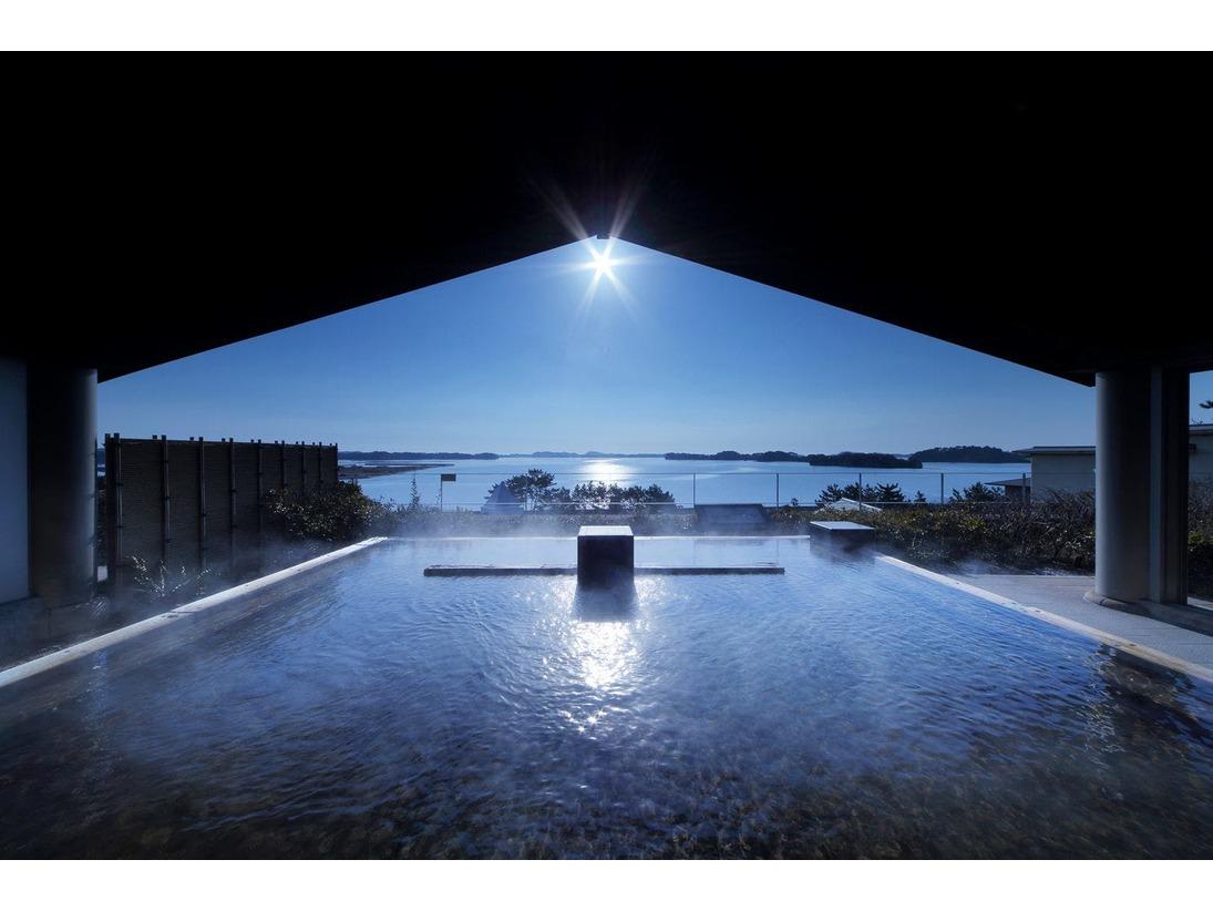 展望露天風呂【八百八島】から眺める日の出