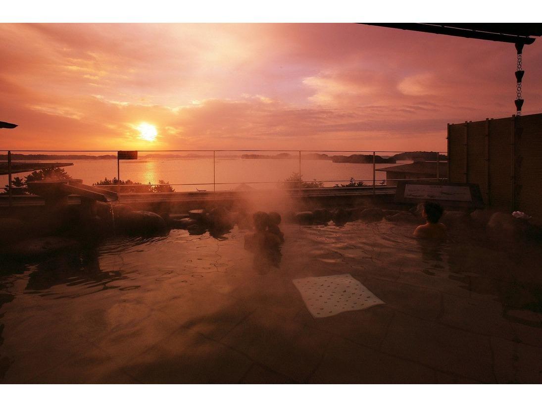 展望露天風呂【五大観】からの日の出