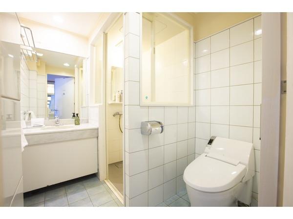 ワイドシャワーシングル浴室