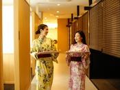 ~半個室食事処『NAGOMI』~ 旅館の朝はゆっくりおしゃべりしながら過ごせますよね。