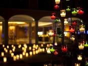 Merry Xmas!ライトアップされた中庭とチャペルの無料開放(12/19~12/25 毎日18:00~20:00)