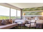 2020年2月リニューアルオープン!広々とした角部屋から、那須高原の雄大な大自然を満喫。和室にプロジェクター付きシーリングライト「ポップイン・アラジン」を設置。