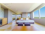 那須連山が目の前に広がる山側のお部屋を確約!大きな窓から目の前に広がる那須連山の絶景に圧巻!木漏れ日や陽だまりをイメージしたオレンジ系を基調。