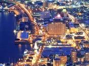 【景観】函館山からの夜景。当館を探してみて下さい。