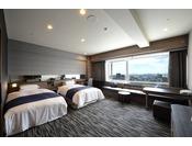 エグゼクティブハリウッドツインベッドをセパレートにもアレンジできる機能性を持ち合わせたお部屋です。