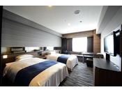 ハリウッドツイン ベッドをセパレートにもアレンジできる機能性を持ち合わせたお部屋です。