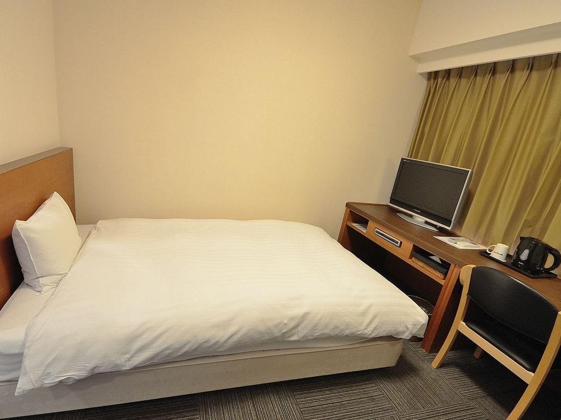 ◆シングルルーム15平米 ベッドサイズ160cm×205cm
