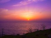 移ろい、変わりゆく日本海と夕日を眺めて。