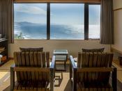 最上階の特別室「天海」から望む日本海絶景