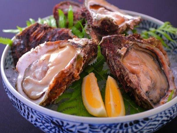 「海のミルク」と称される大粒な岩牡蠣