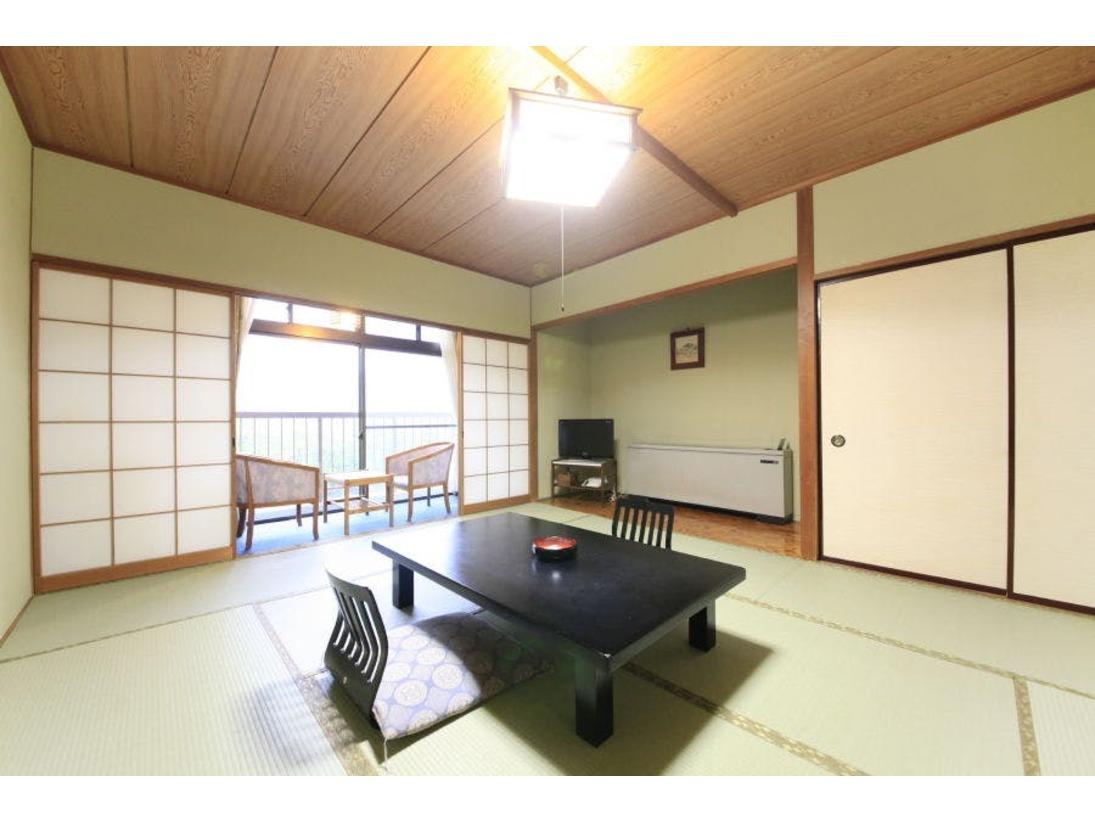 本館渓流沿い和室10畳、バス付、洗浄機能トイレ付(2階または3階)