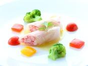*【ご夕食 基本清里コース 魚料理一例】どうぞごゆっくりお召し上がりくださいませ。