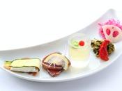 *【ご夕食 一口オードブル盛り合わせ一例】自家製ハムなど、数種類をお愉しみいただけます。