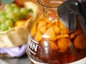 香り高いフルーツティは、ほんのり甘く、さわやかな風味が人気の秘密です。