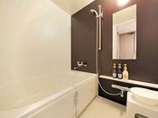 スーペリアルーム・モデレートルームのお風呂は幅120センチ、長さ160センチスーペリアツインルームとモデレートツインルームのお風呂は幅140センチ、長さ160センチユニバーサルツインルームのお風呂は幅140センチ、長さ180センチ